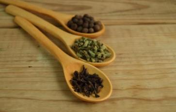 12 Super Herbs and Spices