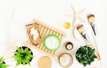 A 6-Step Guide To An Eco-Friendly Makeup Routine