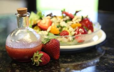 8 Homemade Healthy Salad Dressings