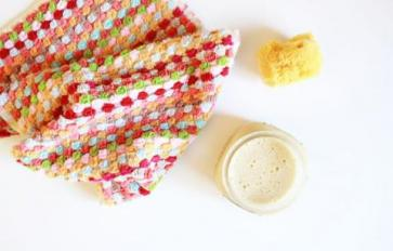 Put Some Food on Your Face: Easy Homemade Face Cleanser