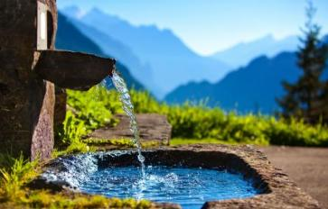 Why Spring Water is Better–And How to Find It