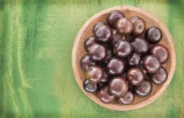 Superfood 101: Jaboticaba!